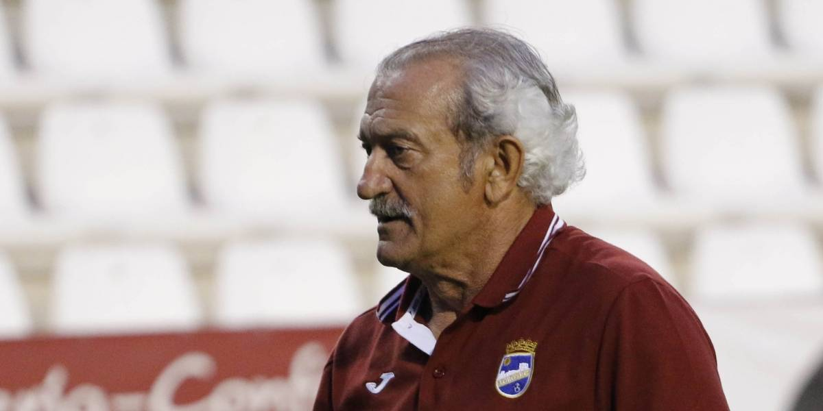 Pepe Rojas se queda sin técnico tras ascender a segunda división de España