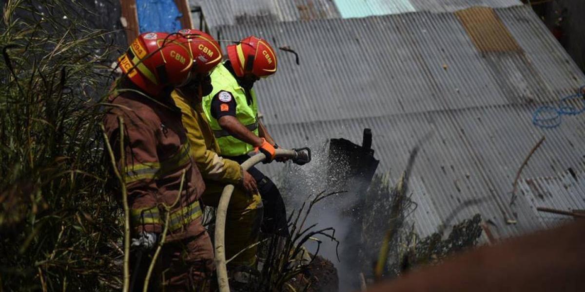 Incendio alarma a vecinos de colonia Las Chácaras