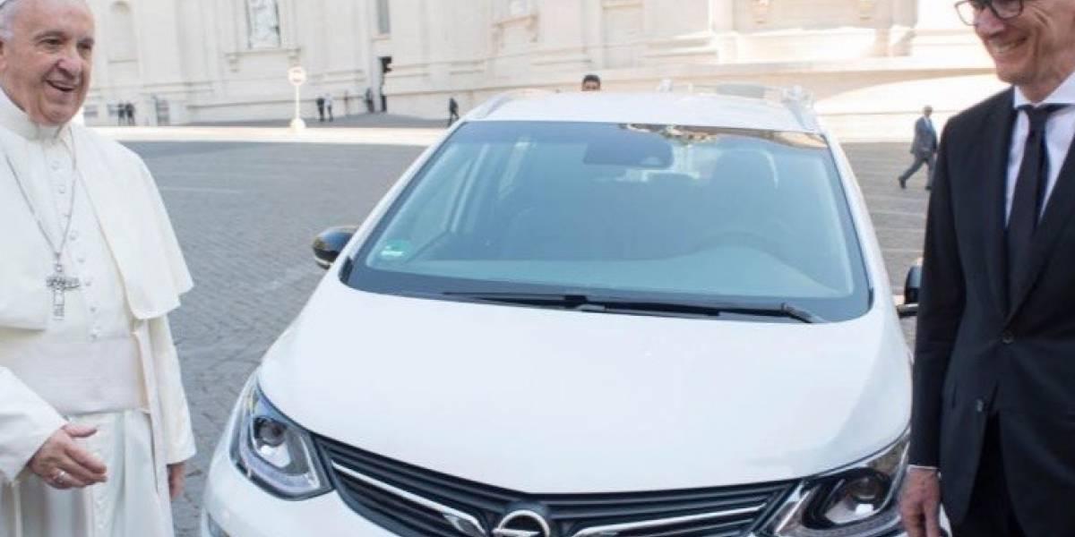 Opel Ampera-e, el auto eléctrico que avala el Papa