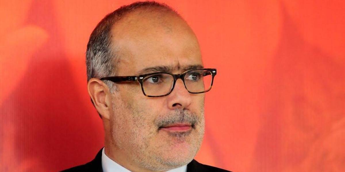 En medio de incertidumbre sobre su continuidad, Rodrigo Valdés se reunió con Presidenta Bachelet en La Moneda