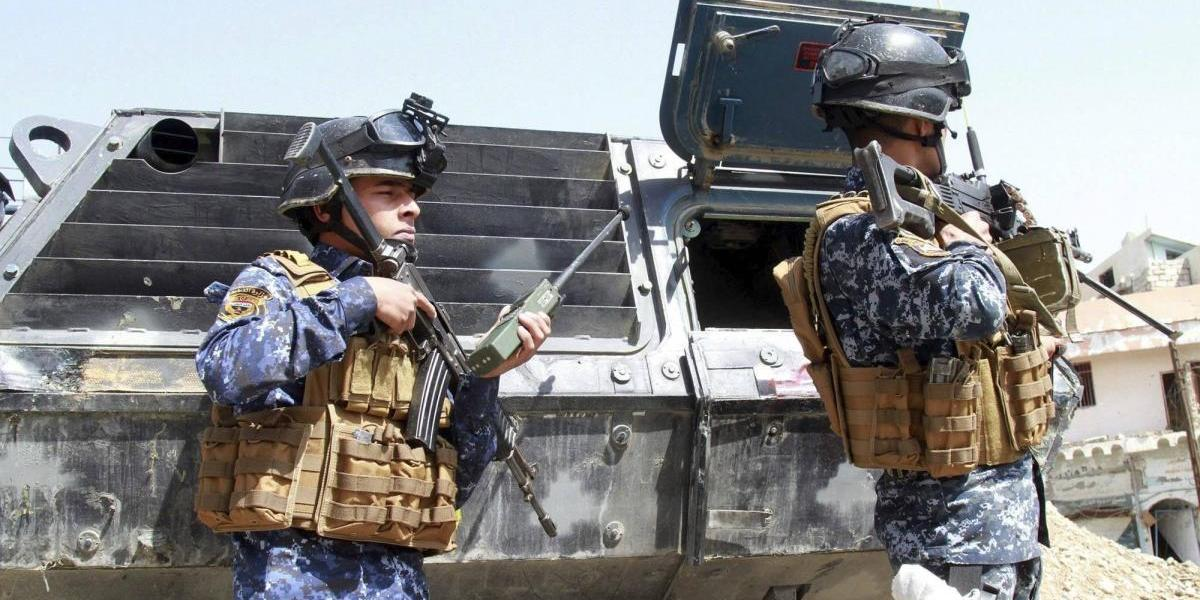 Con buques de guerra, EU lanza ofensiva contra Estado Islámico