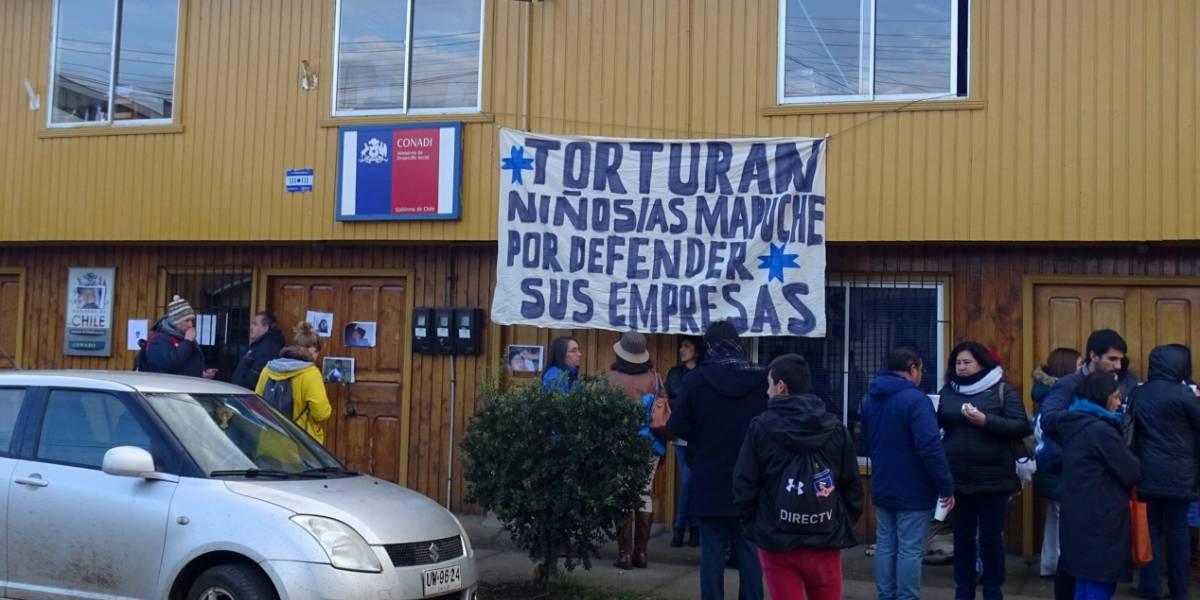 Comuneros mapuches se tomaron la Conadi denunciando violencia contra niños
