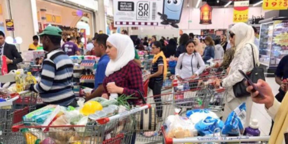 Acopio de víveres y nervios: Las primeras repercusiones del bloqueo a Qatar