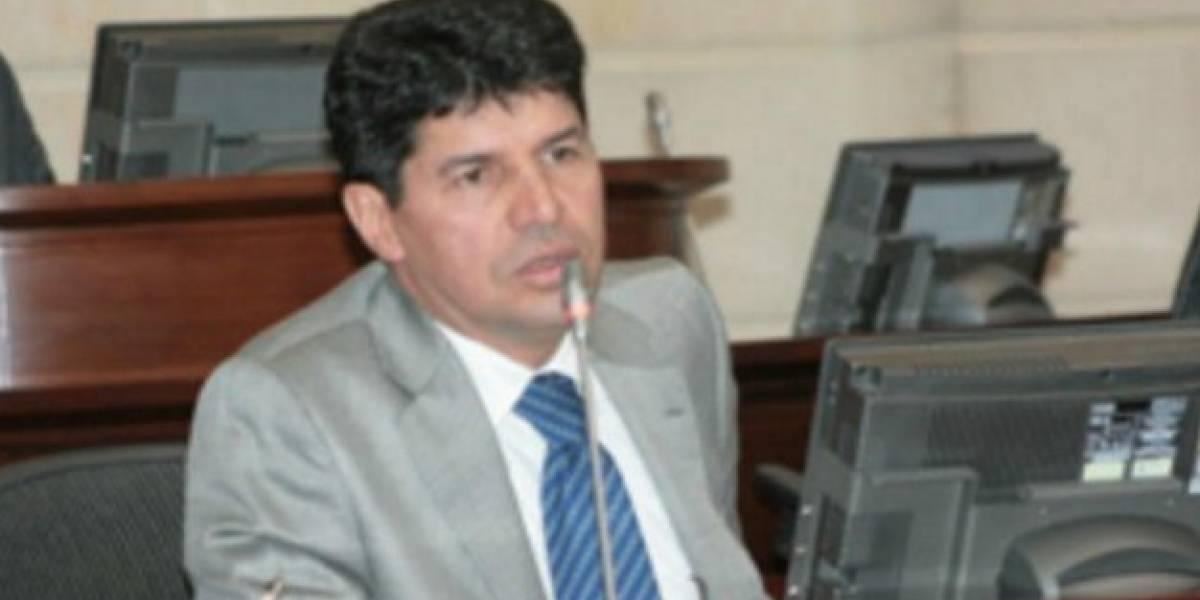 Robledo pidió a la plenaria la renuncia de subsecretario y solo 12 votaron a favor