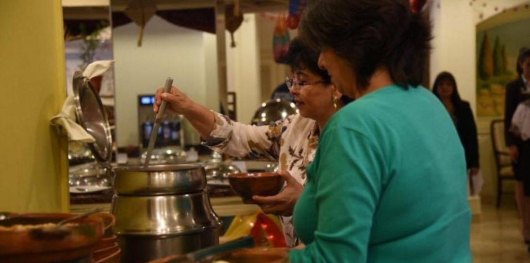 Feria gastronomica por mes patrio