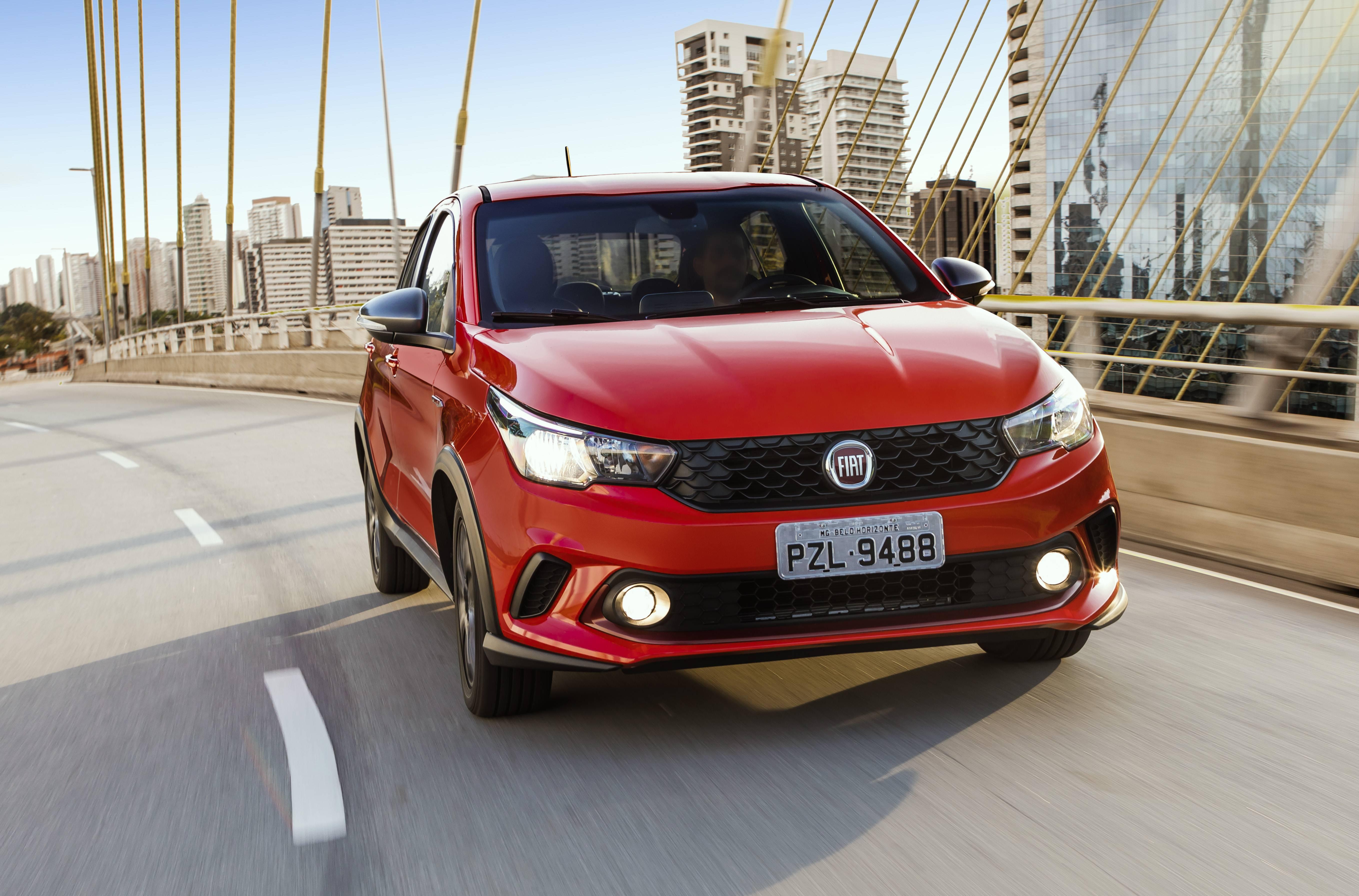 Modelo 1.8 HGT custa entre R$ 64.600 (manual) e R$ 70.600 (automático) | Divulgação