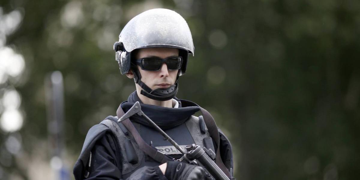"""El agresor de Notre Dame gritó """"esto es por Siria"""" antes de atacar a policía"""