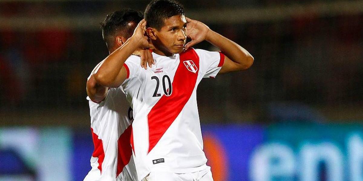 La U sigue al peruano Edison Flores para reforzarse de cara al próximo semestre