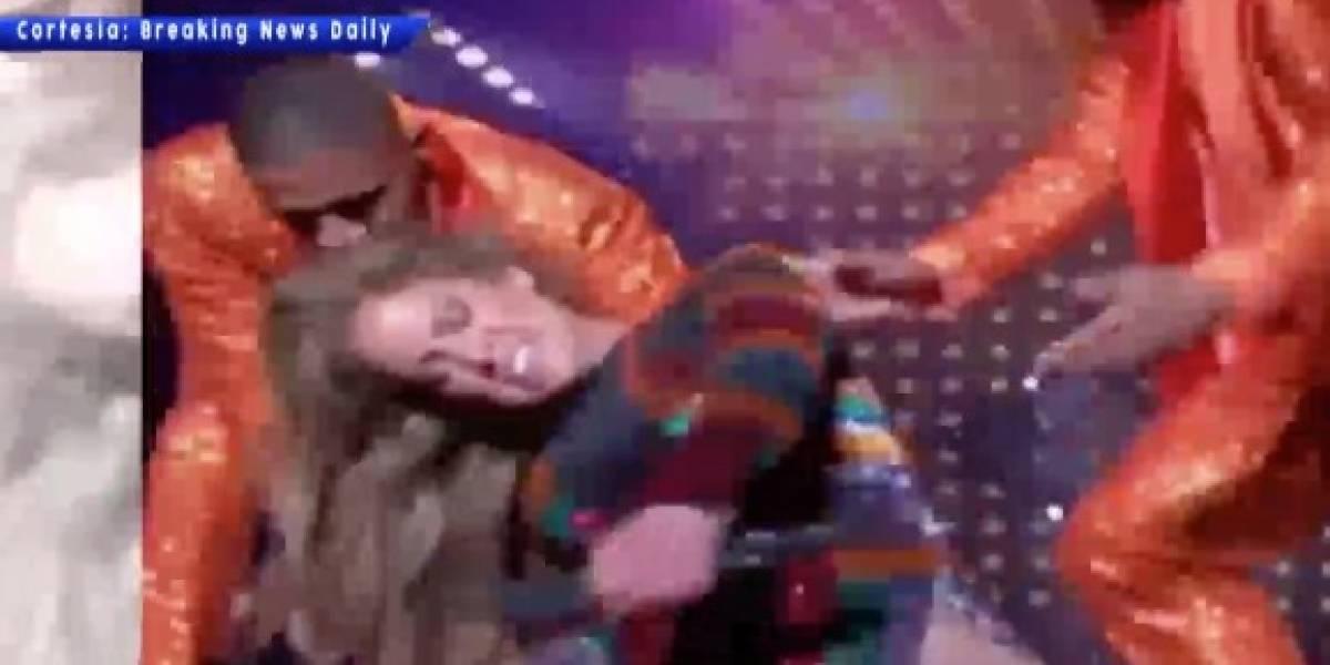 Jennifer López sufre percance en medio de concierto