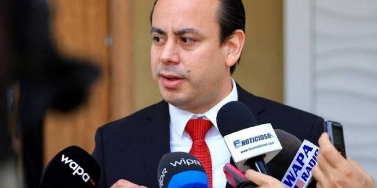 Culpa de la pasada administración los reclamos de la policía, según Villafañe