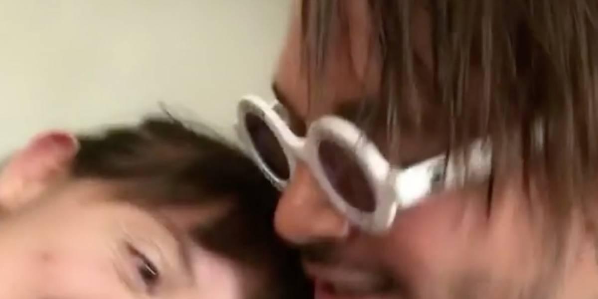 Mujer se niega a darle beso en la boca a J Balvin