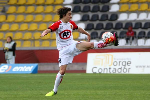 Joaquín Verdugo tuvo destacadas actuaciones en Rangers de Talca en las últimas dos tempordas / Agencia UNO