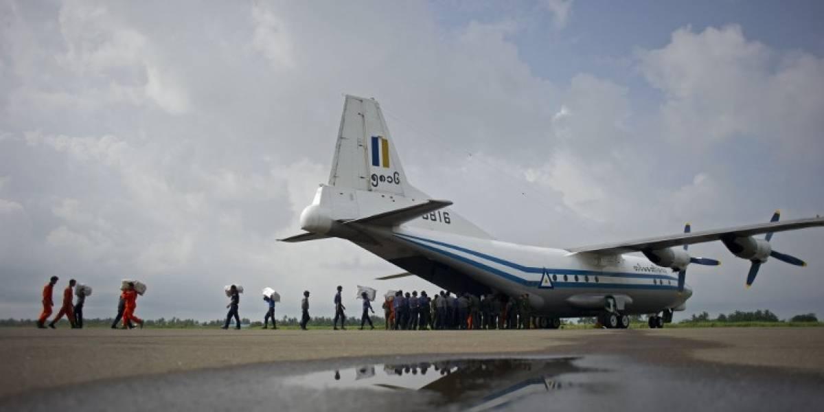 Un avión militar con más de 100 personas se estrella en mar cercano a Birmania