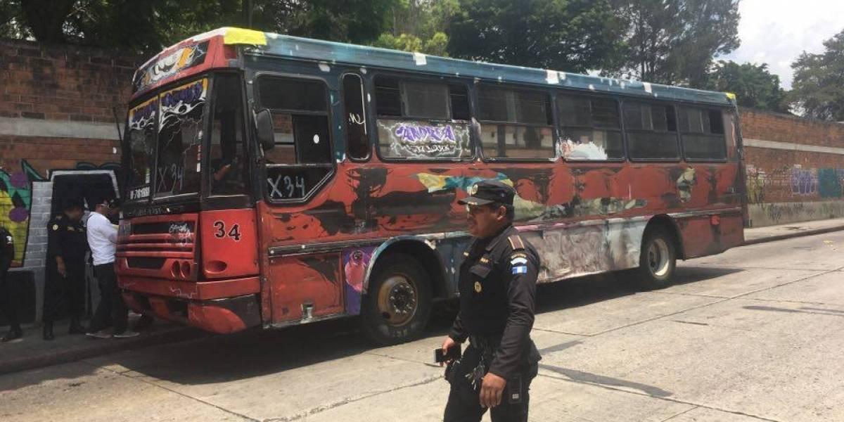 Detonan artefacto explosivo en interior de autobús de la ruta 70