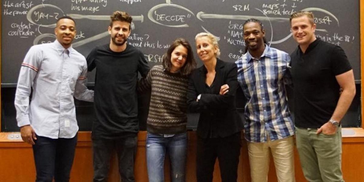 Katie Holmes y Piqué, compañeros de clase en Harvard