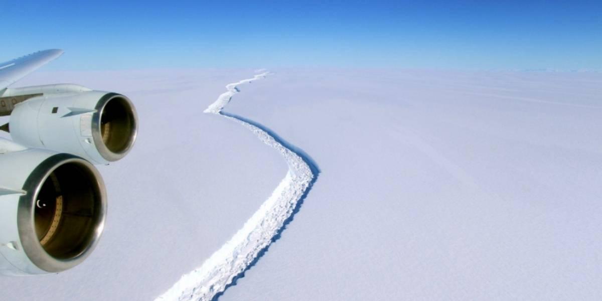 Científico chileno revela riesgos por iceberg gigante que está a punto de cambiar para siempre la Antártica