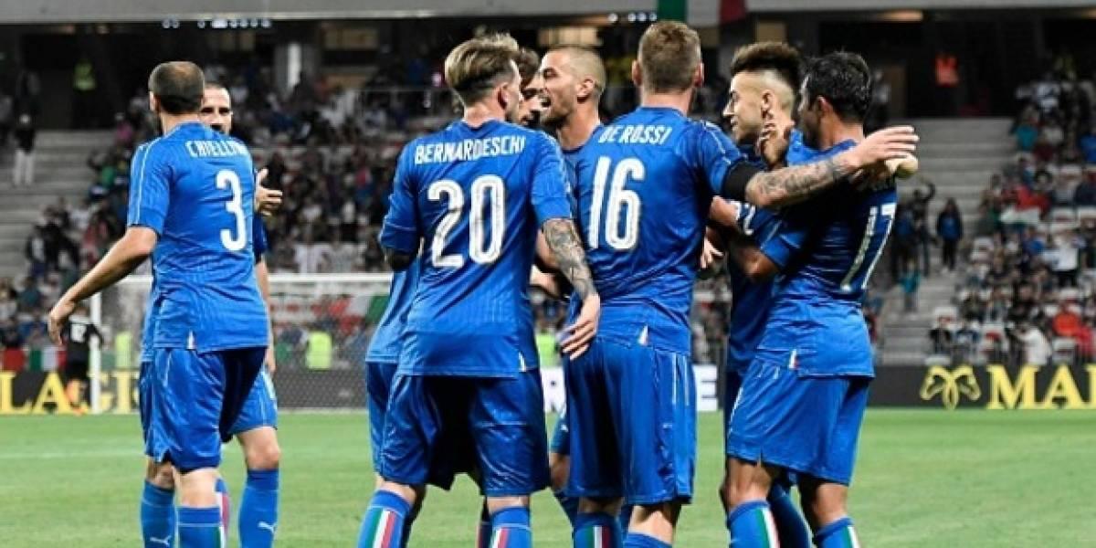 Italia aprovechó los graves errores de Uruguay