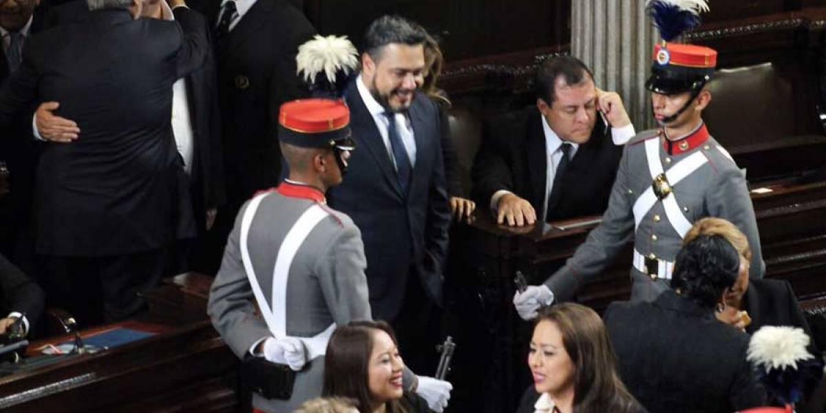 """Diputado Javier Hernández llama """"narcodiputados"""" a legisladores y luego se retracta"""