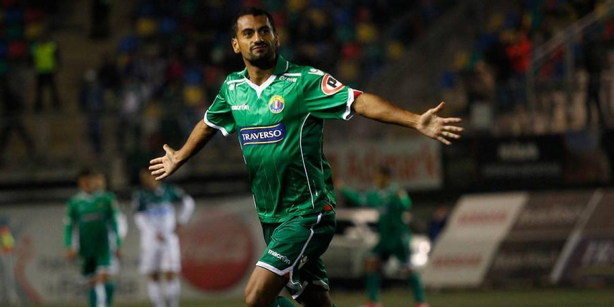 César Cortés es el segundo refuerzo de un Wanderers que ahora va por Carlos Salom