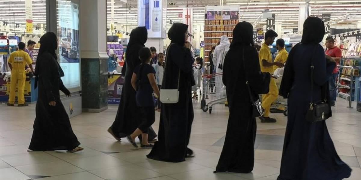 Emiratos Árabes amenaza con cárcel a quién muestre simpatía con Qatar en redes sociales