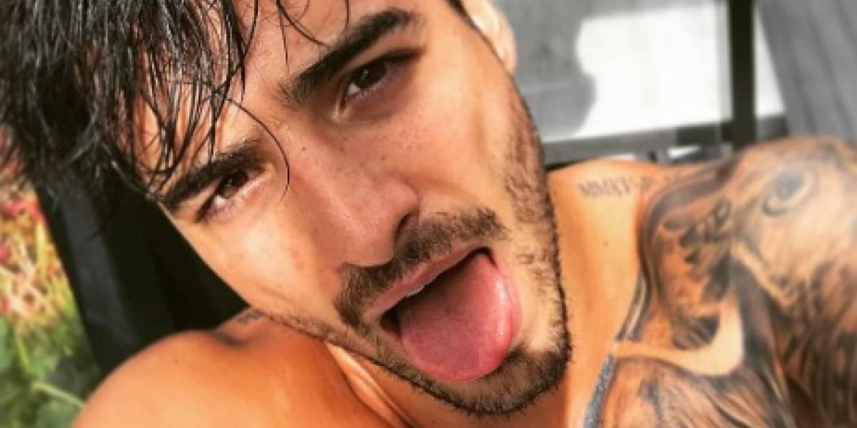 Foto de Maluma en un ataúd alborota el Internet