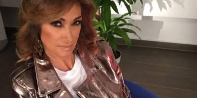 Alburea cibernauta a Adela Micha durante programa y no se da cuenta