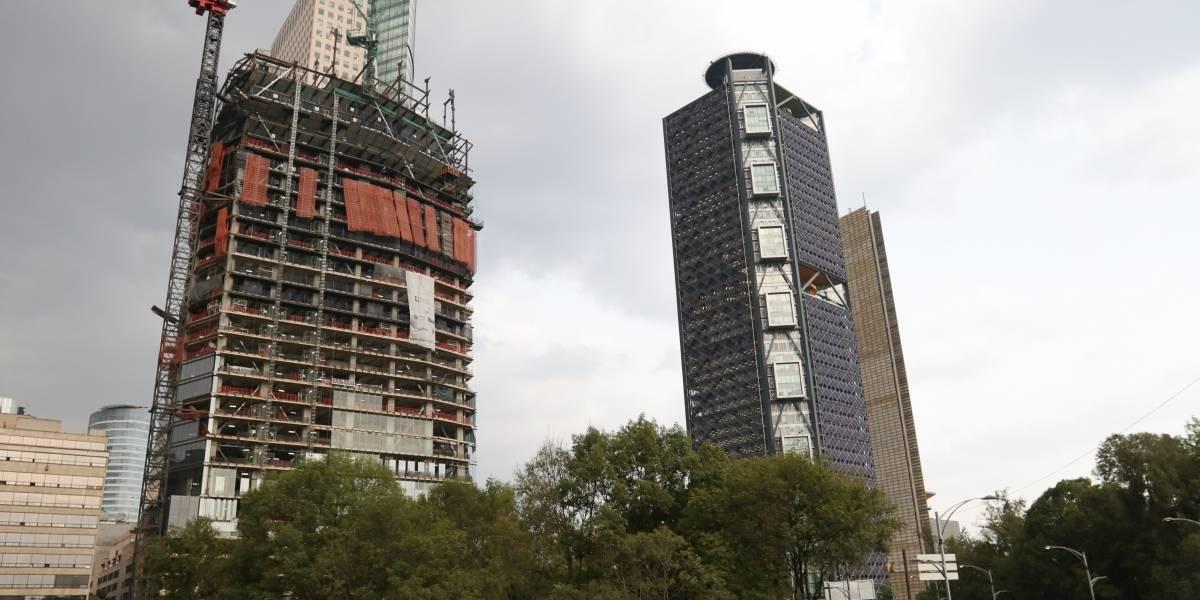 Gobierno de la CDMX suspende construcción de hotel sobre Reforma