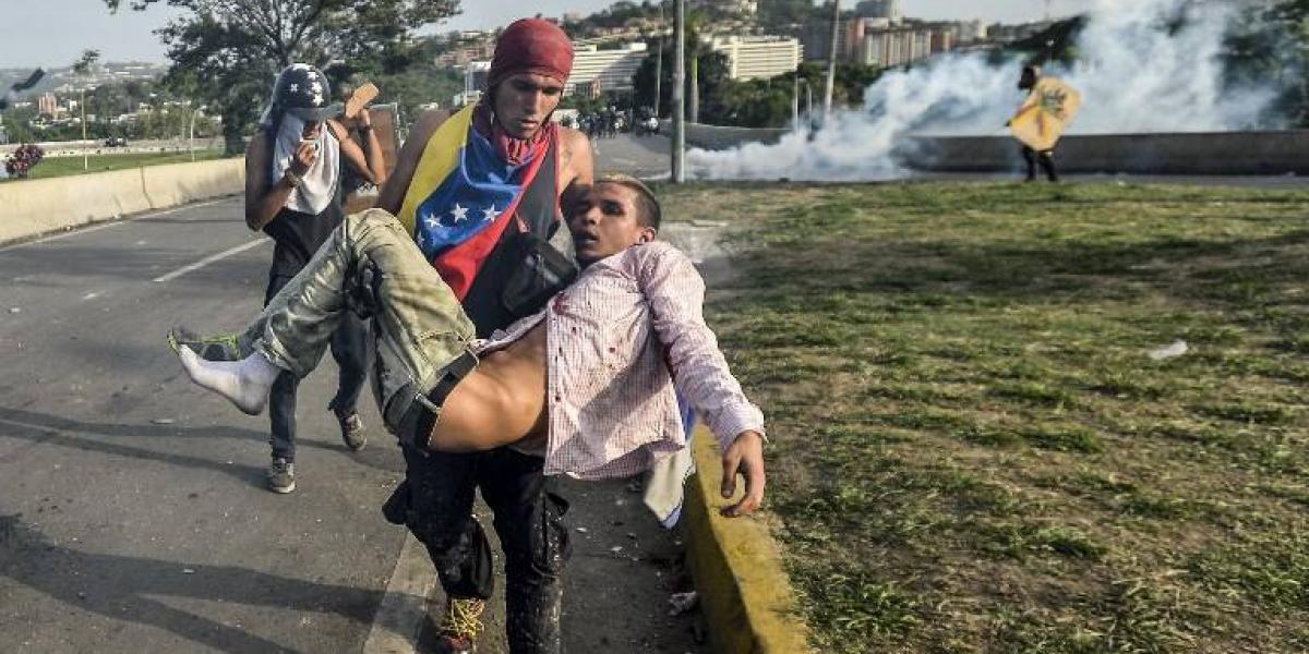 """Ministro de defensa de Venezuela reconoce excesos: """"No quiero ver un guardia nacional más cometiendo una atrocidad en la calle"""""""