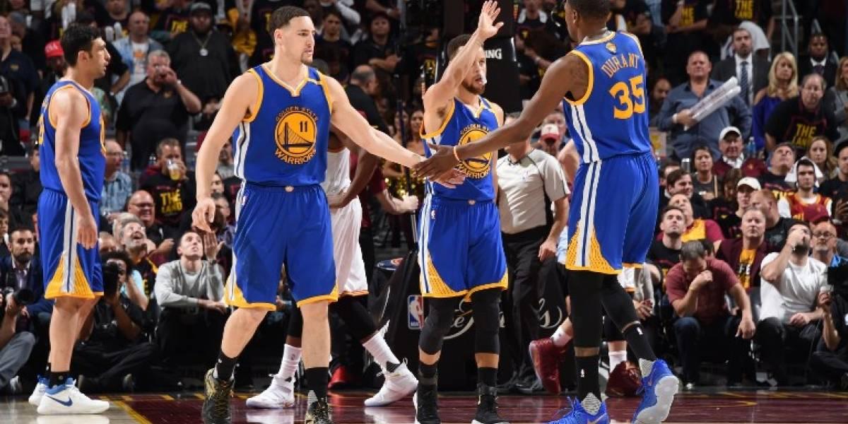 NBA: Golden State venció a domicilio a Cleveland y queda a un triunfo del título