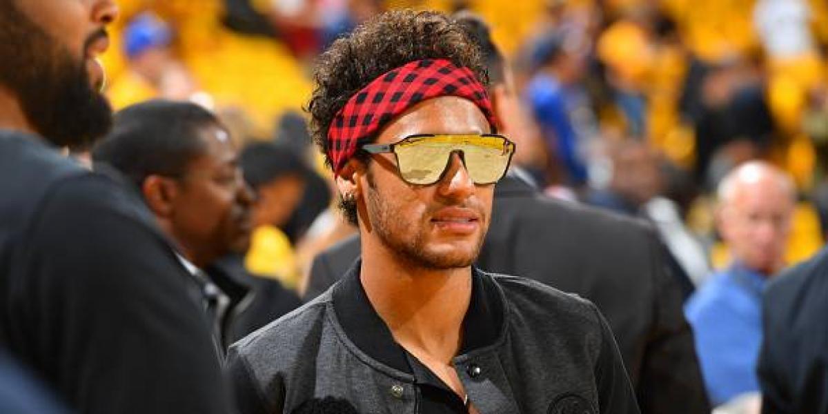 Neymar anota un gol de un edificio a otro ¡increíble!