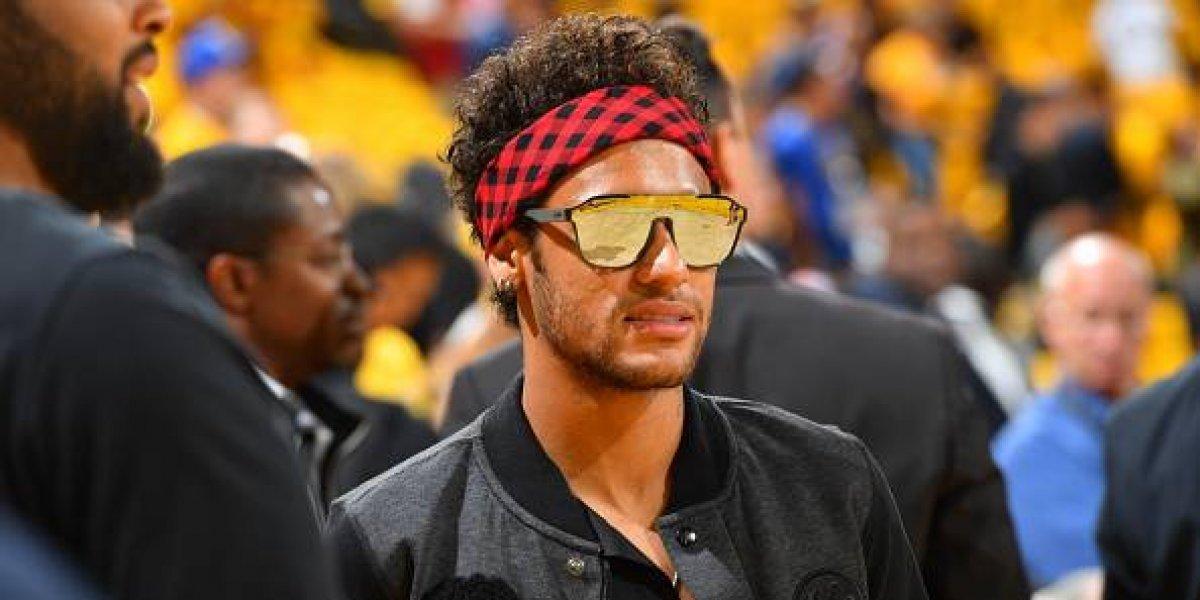 Agente de Neymar revela que ya viaja a París