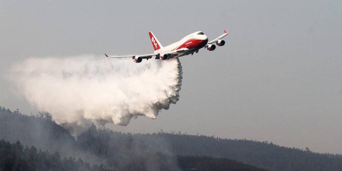 ¿Sirvió el SuperTanker en la lucha contra los incendios de enero? La batalla que polariza las redes sociales