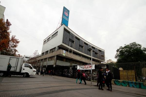 Instituto Nacional en toma