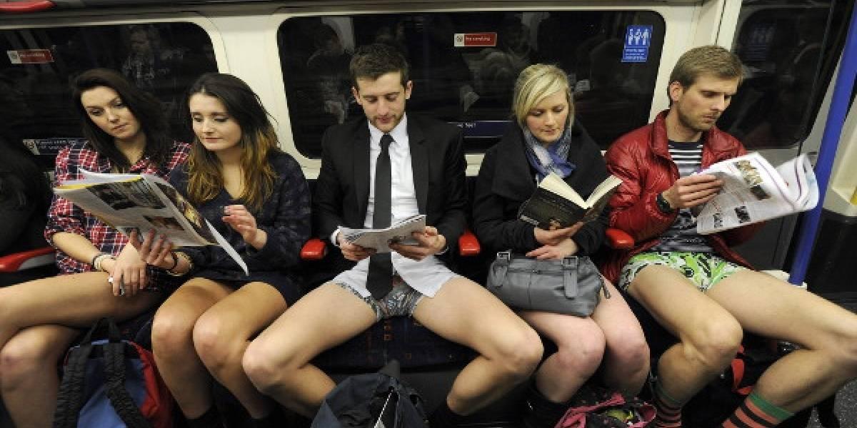"""Transporte público de Madrid inicia campaña contra el """"Manspreading"""": hombres que se sientan con las piernas extremadamente abiertas"""