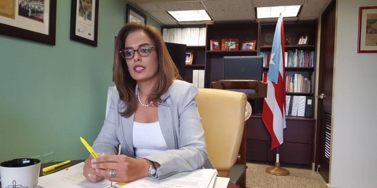 Senadora: gobernador usaría fondos pensionados para pago de la deuda