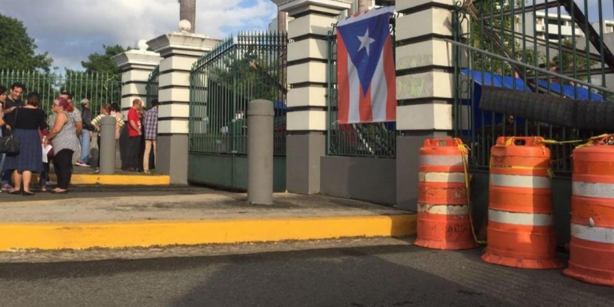 Guardias a sueldo de UPR sacan vagón de recinto