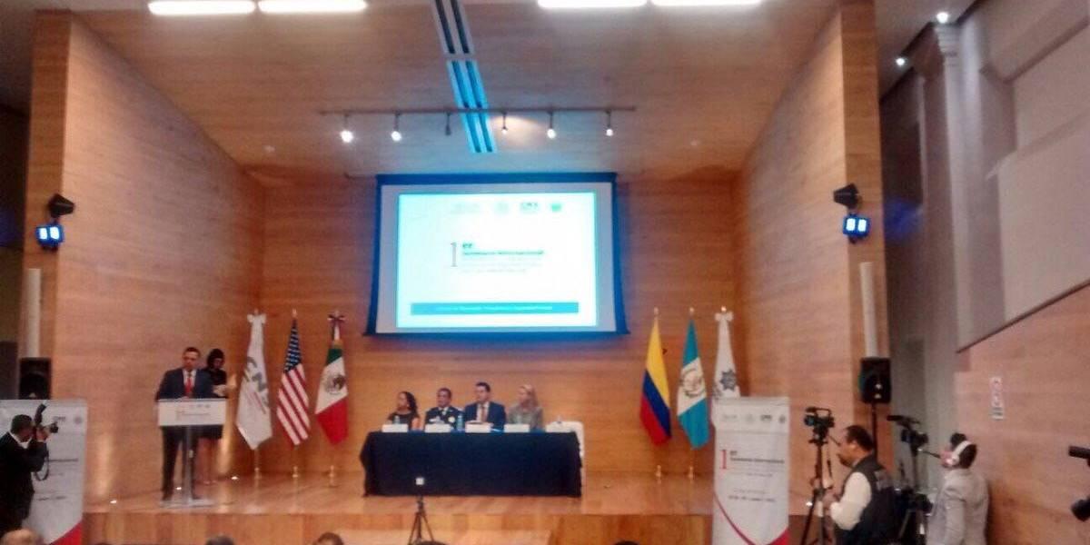 Edomex participa en seminario para reforzar acciones de seguridad
