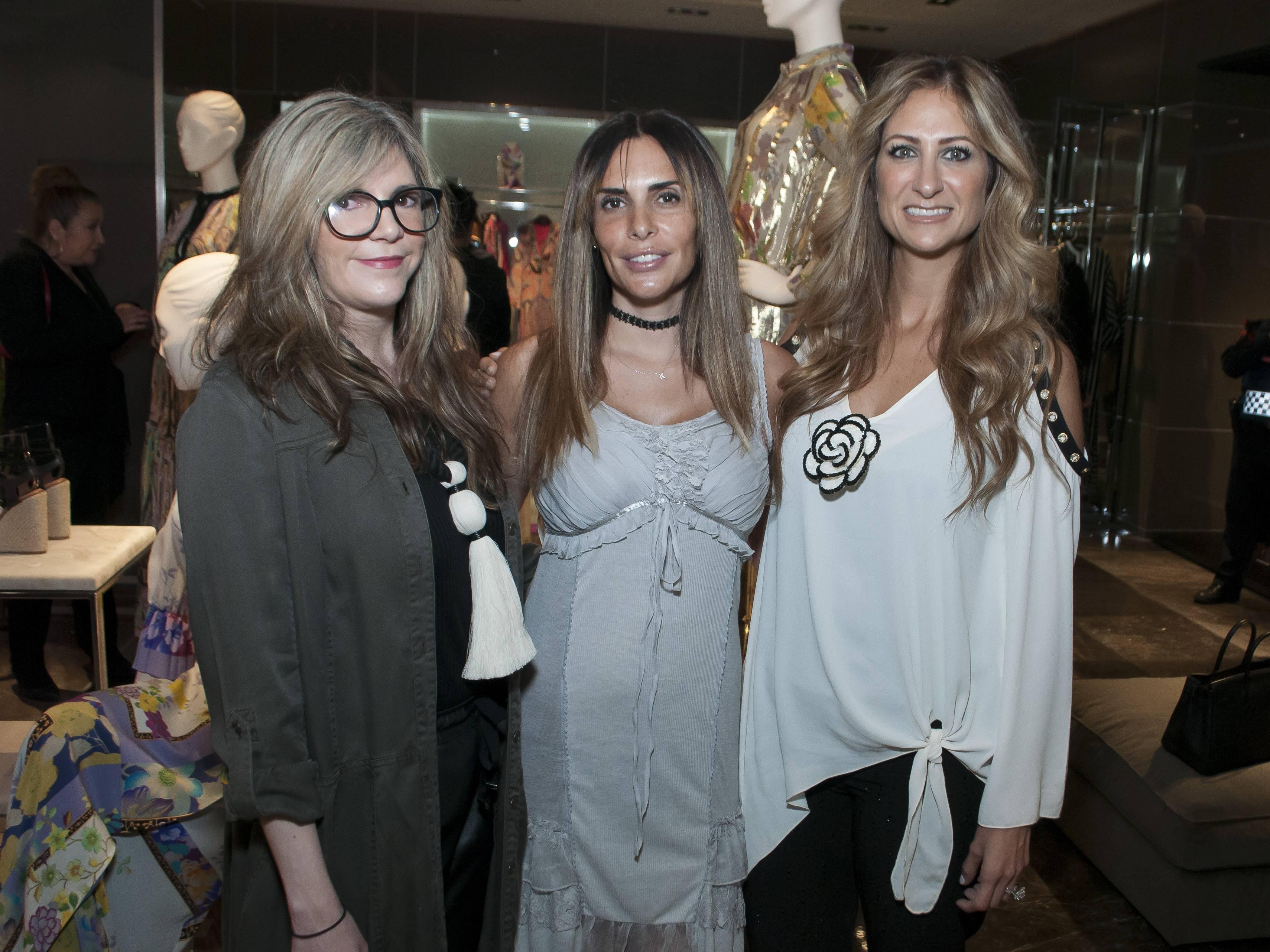 Mariana Rivera, Karla Arelle y Pixie Devlyn JDS