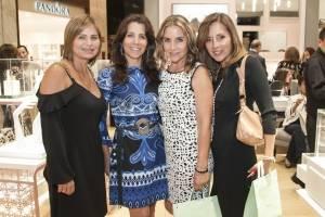 Giselle Ramírez, Evelyn Regalado, Luz María Jacks y Cecilia Vicuña