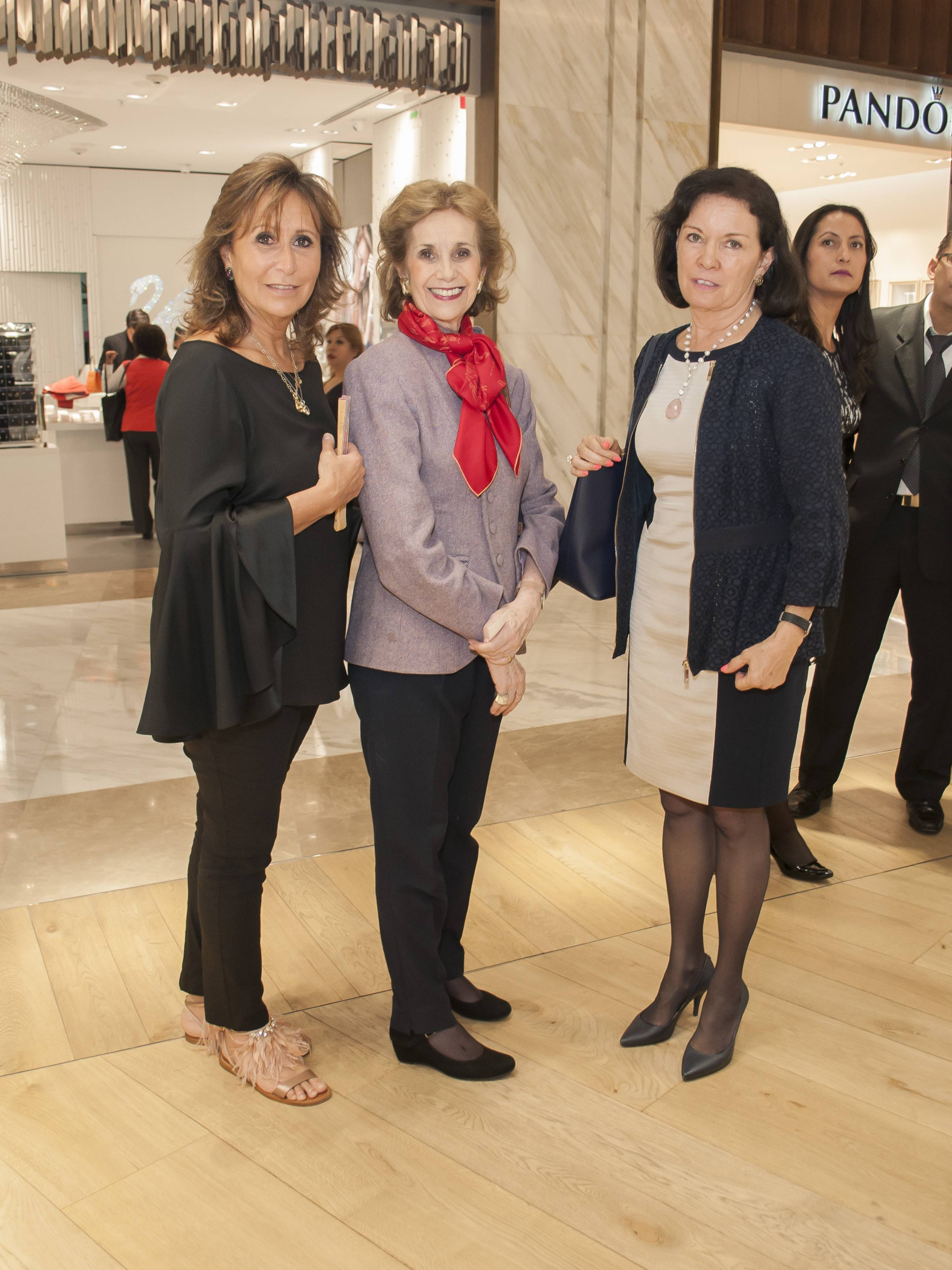 Chus Esquerra, Natalia Loaeza de Lebreton y Leticia García JDS