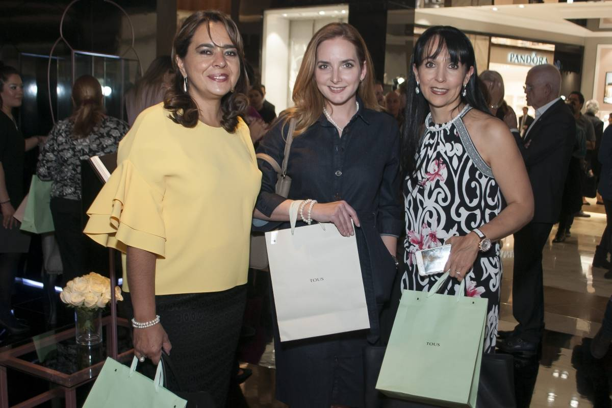 Mili Sánchez de Zardoni, María de González de Cosio y Caty Cárdenas JDS