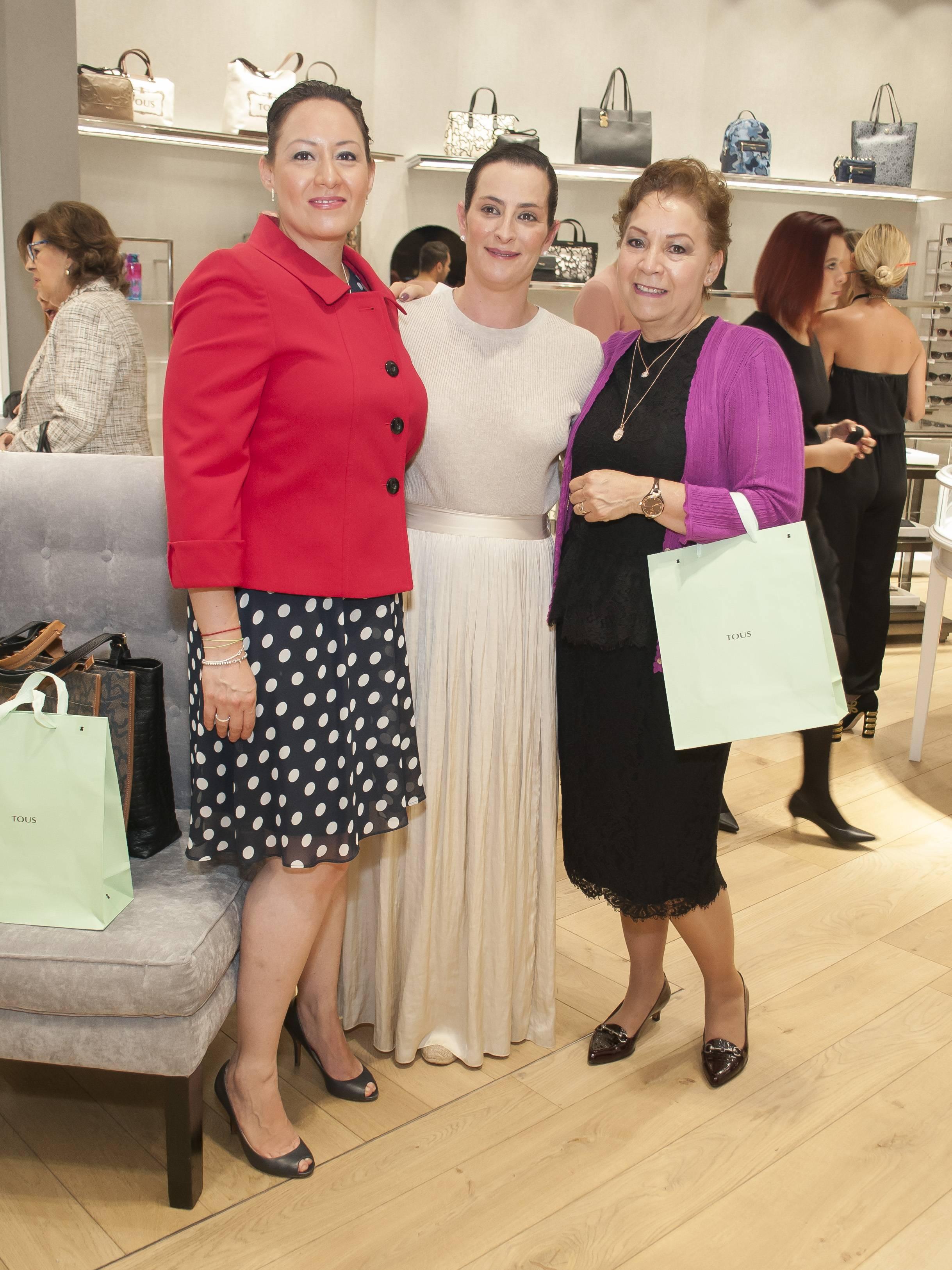 Grisel Galeano, Natalia Carvajal y Leticia García JDS