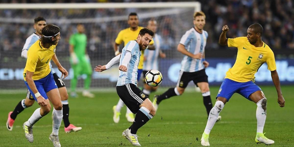 Argentina se impone a Brasil, en el debut de Sampaoli