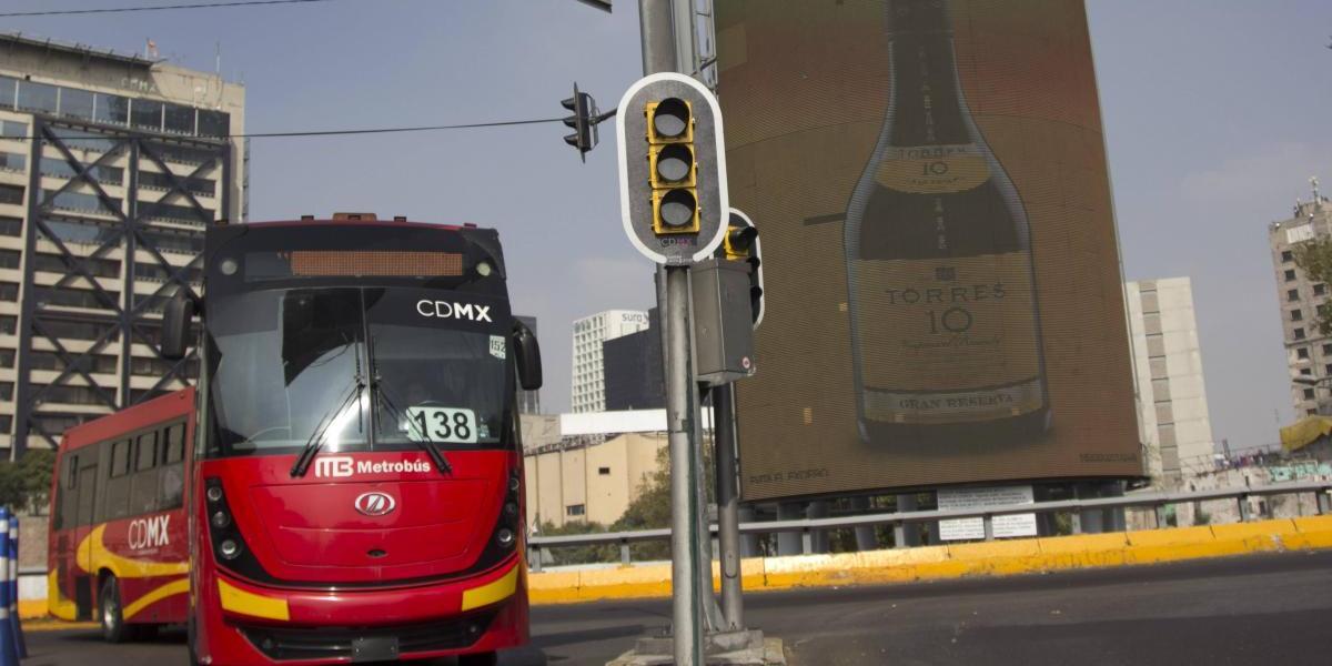 Cierran estación Glorieta de Insurgentes del Metrobús por mantenimiento