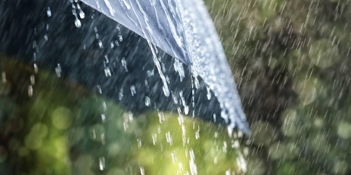 Fuertes lluvias y tronadas en área metropolitana por onda