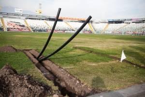 La tubería HDPE de los aspersores del sistema de regaderio / Foto: Eduardo Ángel