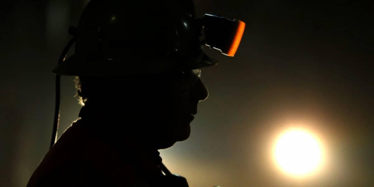 Horas de tensión: dos mineros quedan atrapados en yacimiento de oro en Aysén