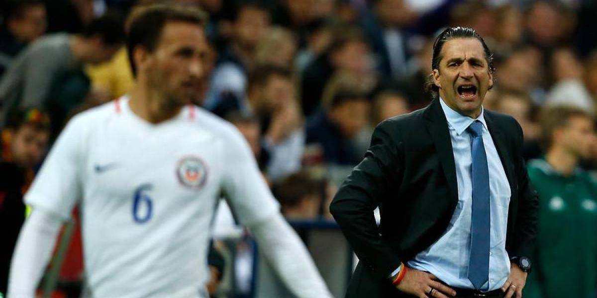 """Pizzi se preocupa por Bravo: """"Los tiempos de recuperación han tardado más de lo previsto"""""""
