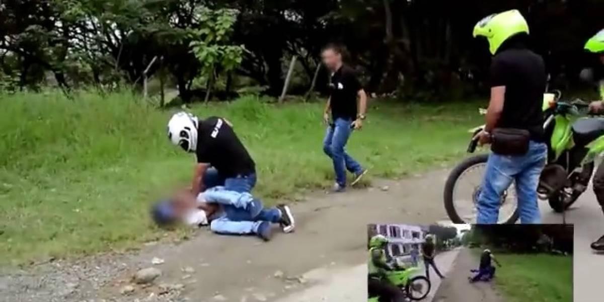 Video: hombre se robó una moto y terminó electrocutado