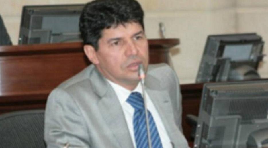 Procuraduría suspendió por tres meses a Saúl Cruz